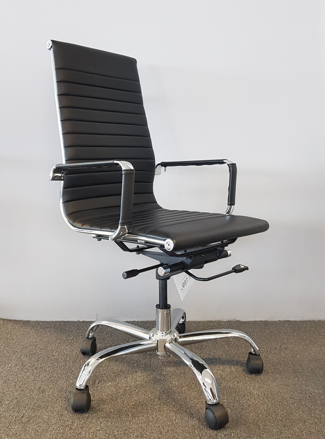 Showroom opruiming bureaustoel Retroline